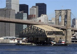 aptopix-nyc-bridge-river-voyage-383536974_v2.grid-6x2-300x212